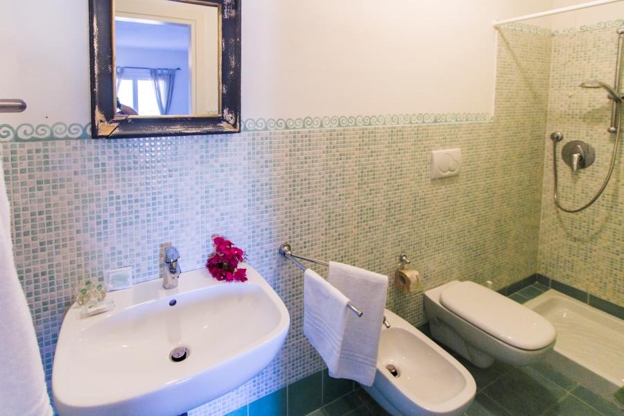 Ea_Bianca_T6_Bathroom 4
